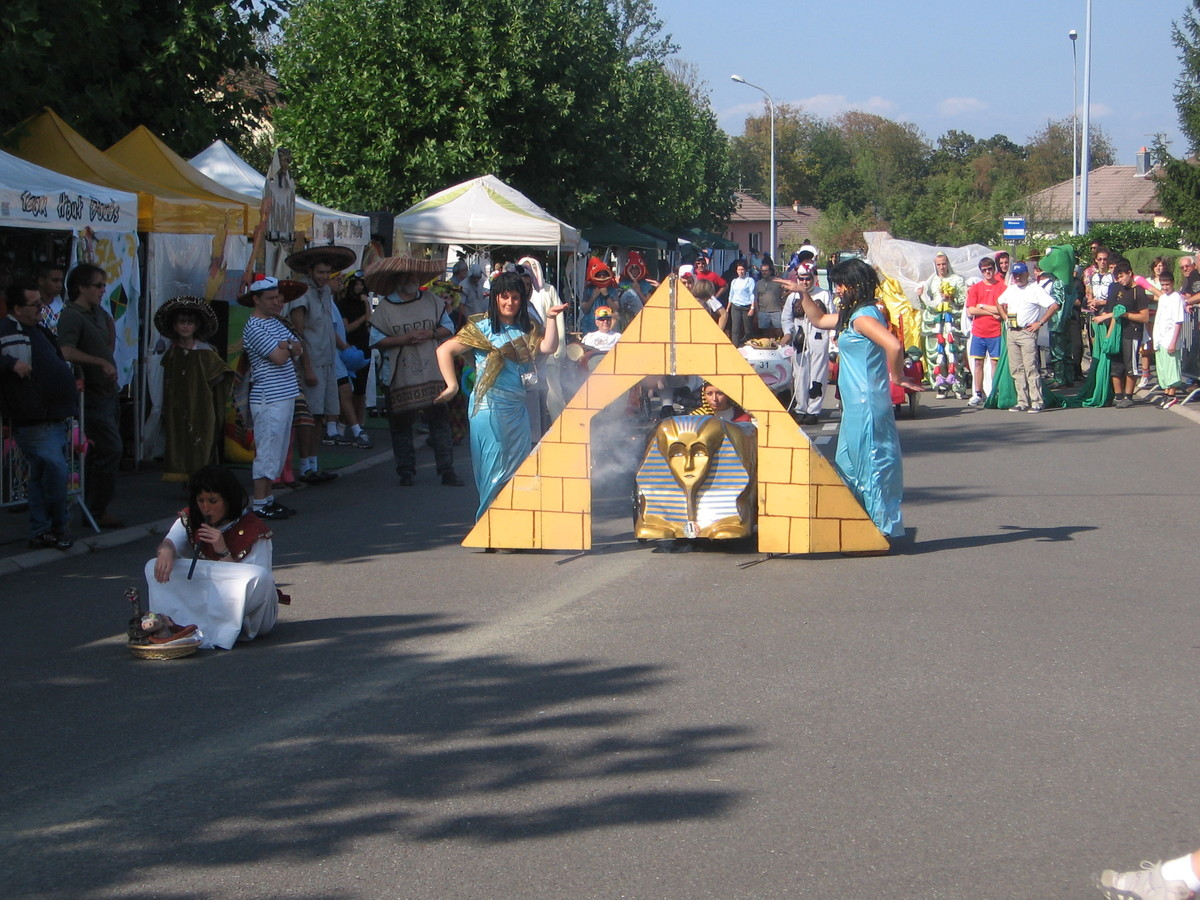 Présentation de l'équipe de Pharao lors de la course de Seloncourt - F.F.C.V.P.