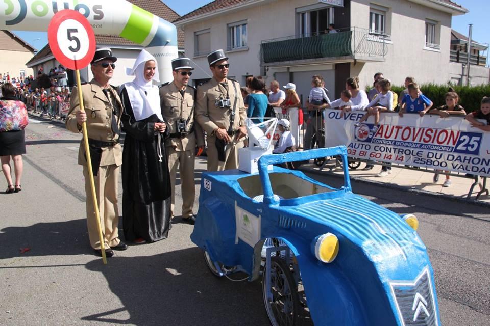 Les Gendarmes de Saint Tropez voiture du Doubs (25) - F.F.C.V.P.