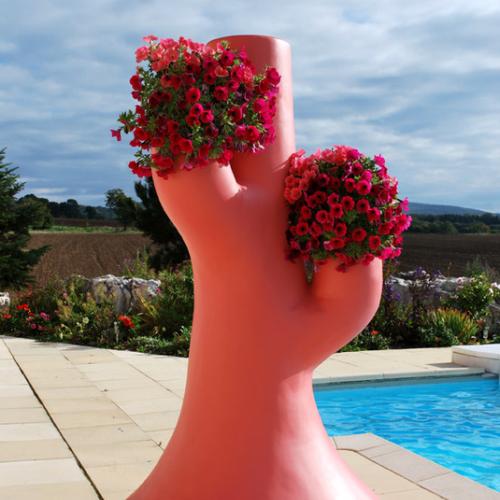 Pot de fleurs géant
