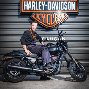 catégorie(s) :  - Sebastien BERNARD - Technicien - Harley-Davidson Besançon