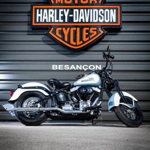 catégorie(s) :  - Custom - Harley-Davidson Besançon