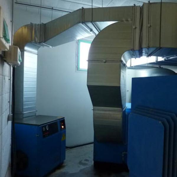 Récupération ou évacuation de l'air rejeté par les 3 compresseurs de tailles différentes - presse étude