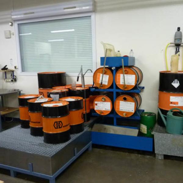 Stockage des liquides (de plus en plus bio ) sur bacs de rétention - presse étude