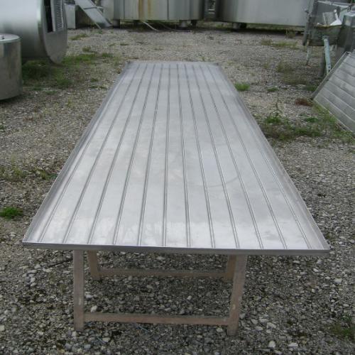 Table d'égouttage inox avec rigoles