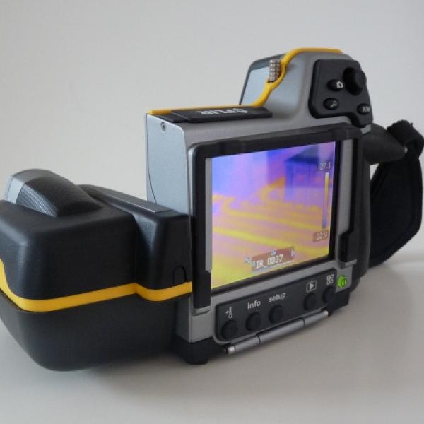 Thermographie - Caméra infra rouge B250 de marque FLIR -