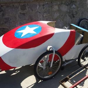 la voiture Captain América avant le départ à Wimereux - F.F.C.V.P.
