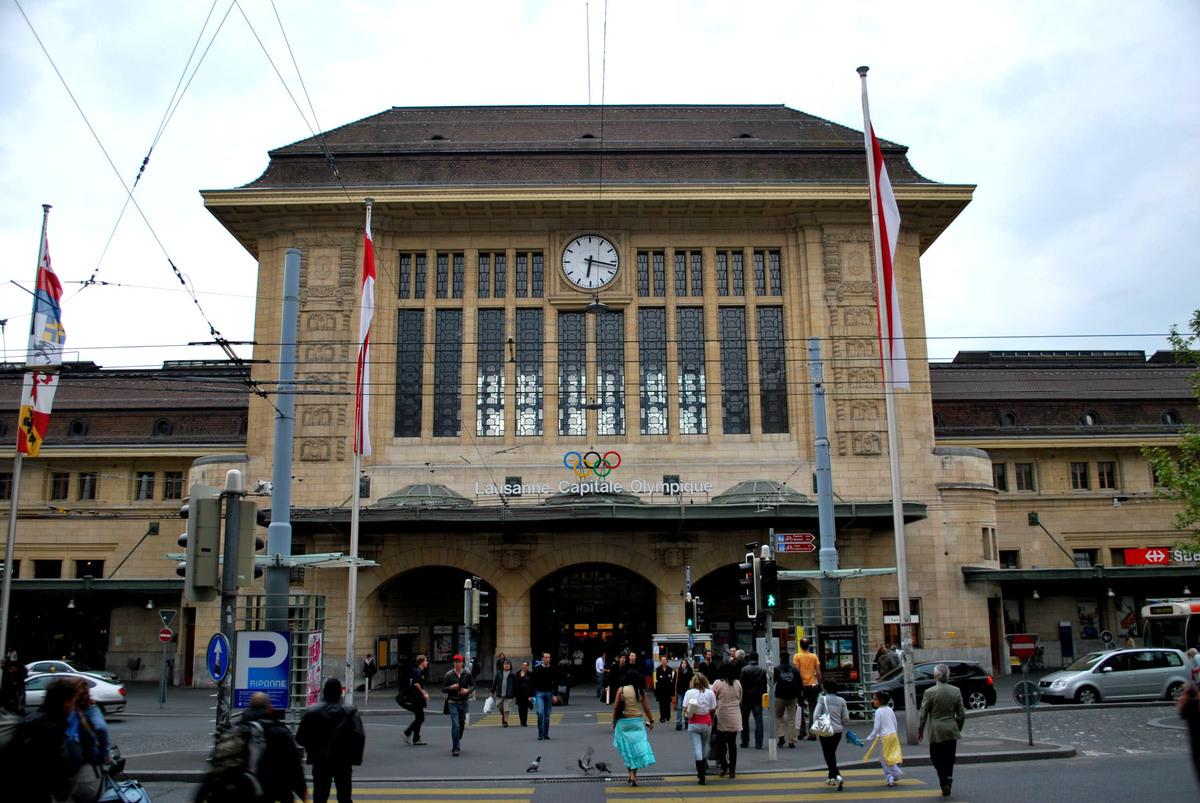 Buffet de la Gare à Lausanne - Commerces, restaurants, surfaces administratives, services et espaces publics - Ivéo CONSEILS
