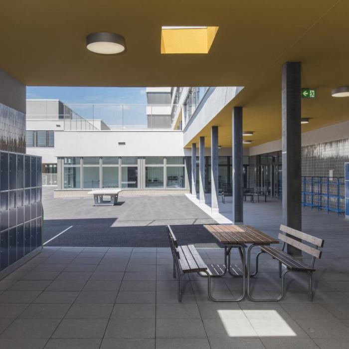Nouveau lycée Français de Zurich - maternelle, primaire, collège, lycée, gymnase et cantine - Ivéo CONSEILS
