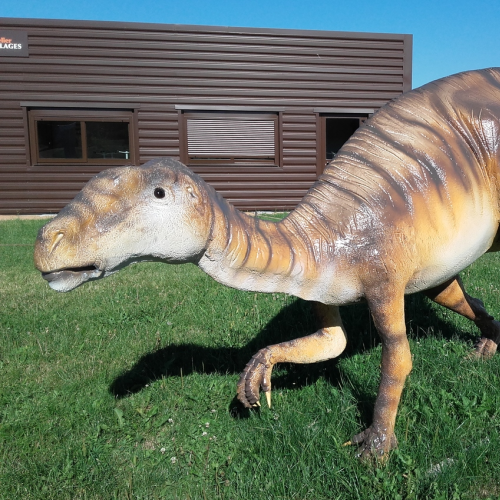catégorie(s) : Dinosaures World - Iguanodon