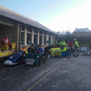 Les voitures présentent pour le départ de FERVAQUES (14) pour le Téléthon 2017   - F.F.C.V.P.
